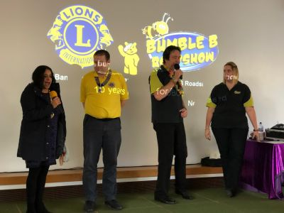 Banbury Mayor Shaida Hussain, Lion President Richard High and the Bumble B Roadshow get the event started in style!